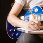מהמגירה לדף – איך כותבים שיר? כל הדרכים אל המוזה המיוחלת