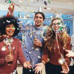 מאחורי השמפניות והמיליארדים: למה חברות מנפיקות, ולמה זה מצויין עבורנו